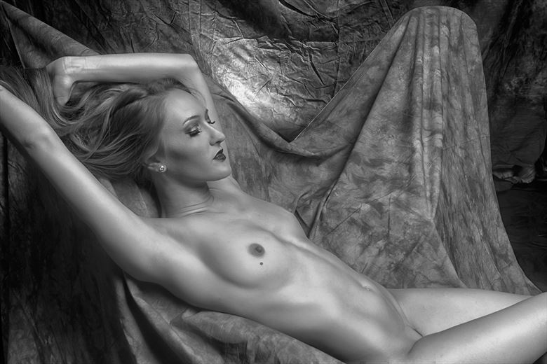 sveet artistic nude photo by photographer philip turner