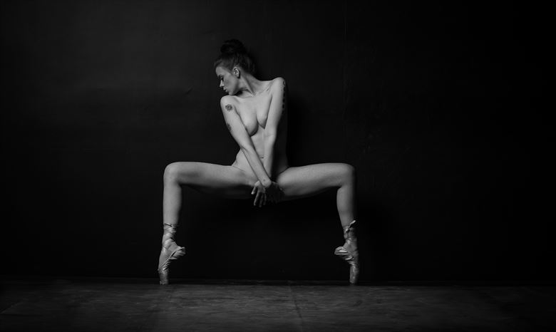 swayed artistic nude photo by model aurora red