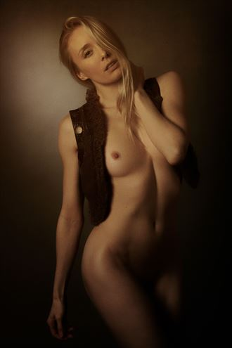 tabard artistic nude photo by photographer mick waghorne