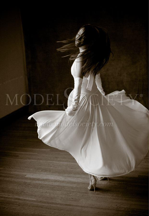 taking a spin fashion photo by photographer mgm