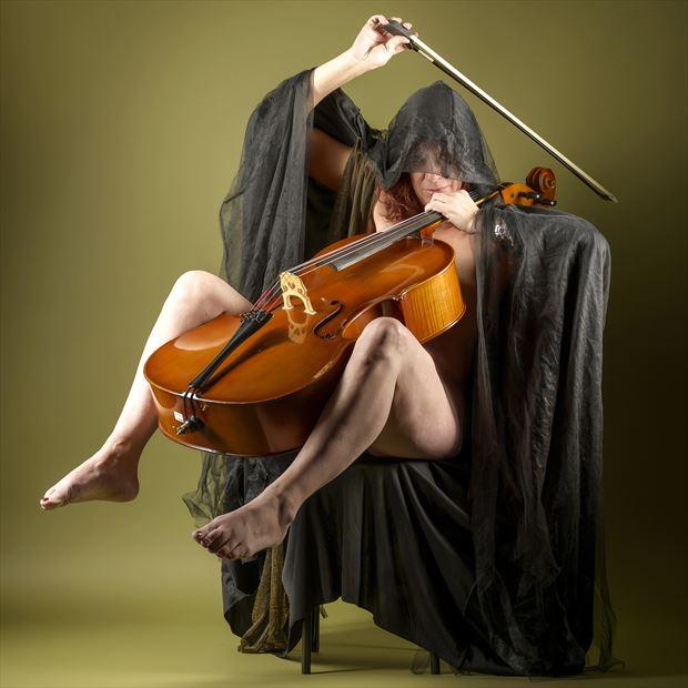 taking flight artistic nude artwork by model tigg