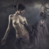 tale of the apple Artistic Nude Photo by Photographer dml