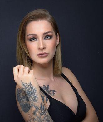 tattoos studio lighting photo by photographer fotograafedmond