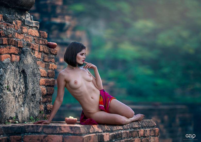 temple artistic nude artwork by artist gonzalo villar