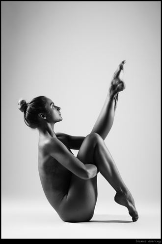 tension artistic nude photo by photographer thomas doering