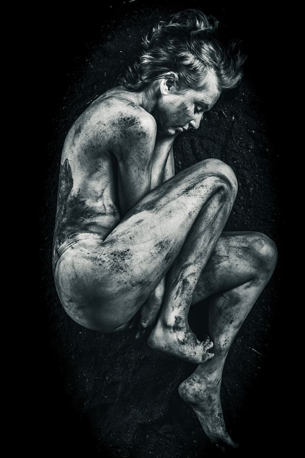 terre 4 artistic nude photo by photographer claude frenette