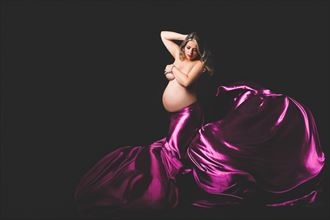 thaciara 31 weeks implied nude photo by photographer sky light studio