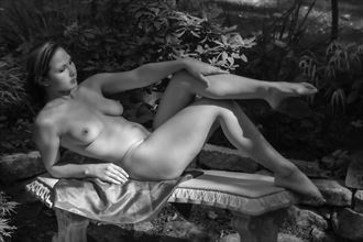 the artistic pose artistic nude photo by photographer mslygh
