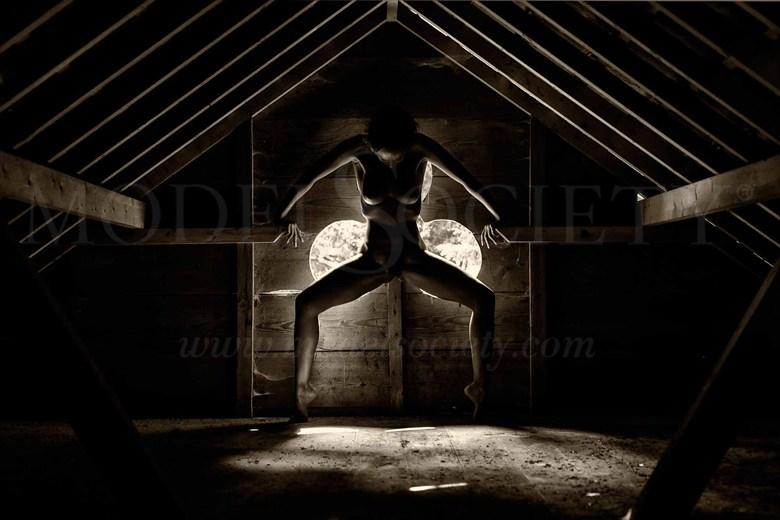 the attic 2 Artistic Nude Photo by Photographer BenErnst