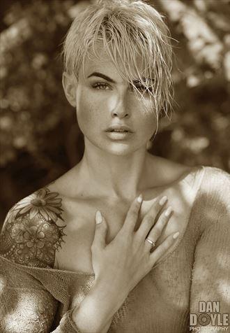 the beautiful siobhain tattoos photo by photographer dan doyle studio