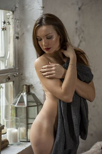 the beauty at the window artistic nude photo by photographer drakariumphotography
