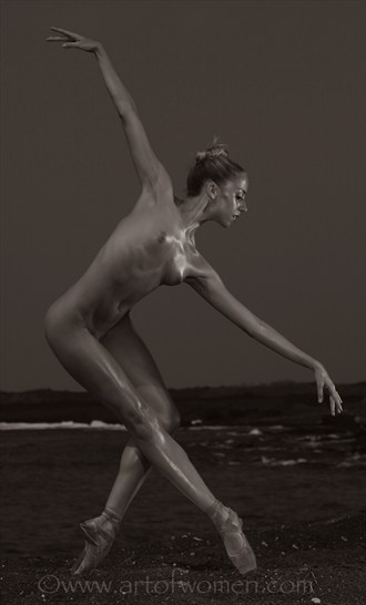 the dance Artistic Nude Photo by Photographer art of women