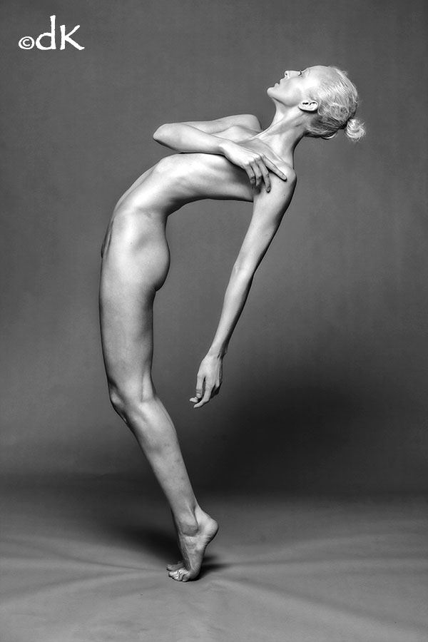 the dance artistic nude photo by photographer dennis keim