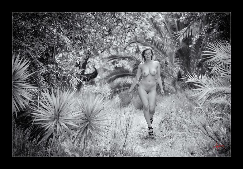 the garden artistic nude photo by photographer doug harding