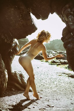 the gift of light Artistic Nude Photo by Photographer imagesse