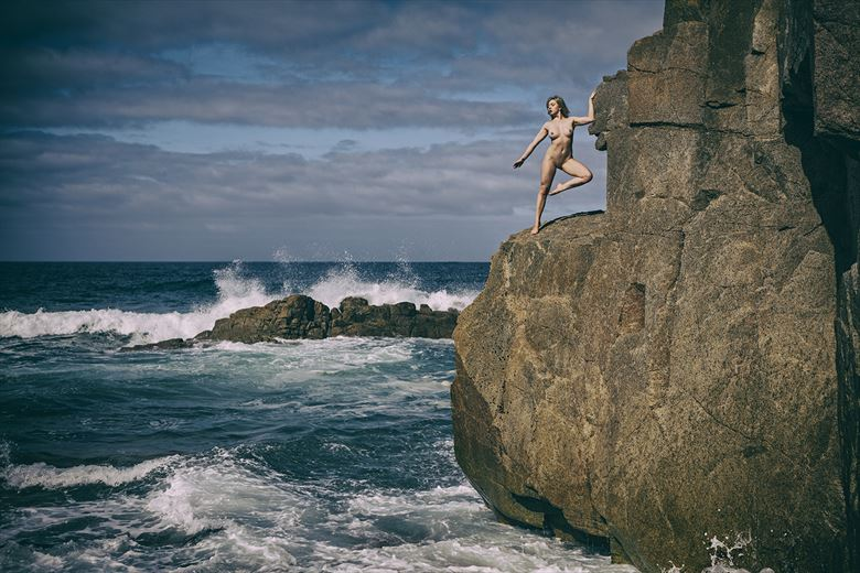 the girl and the sea Artistic Nude Photo by Photographer imagesse