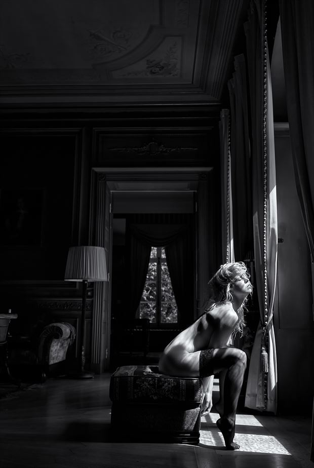 the living artistic nude photo by photographer benernst