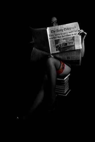 the reader artistic nude photo by photographer harvey potts photography
