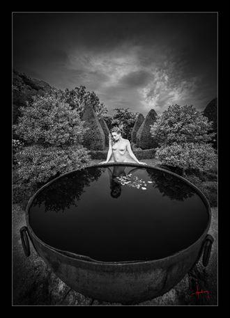 the secret garden artistic nude photo by photographer doug harding