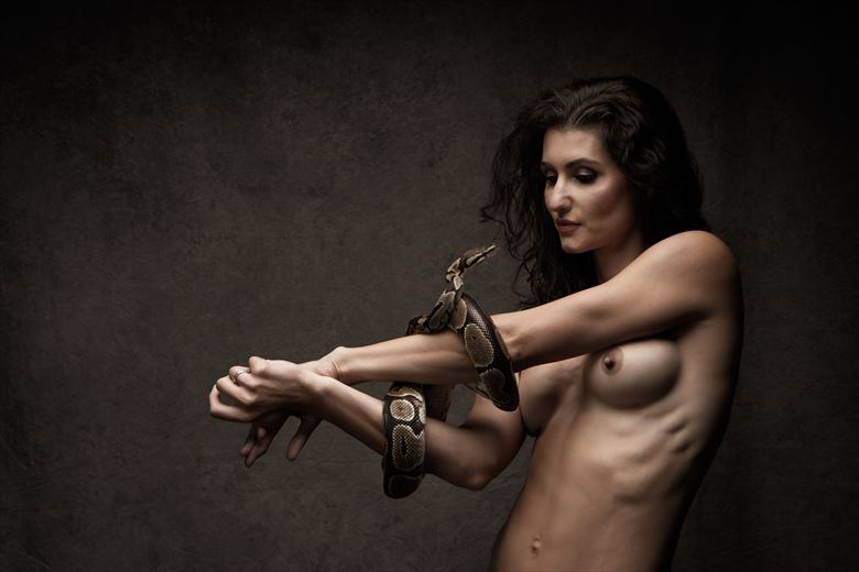 the snake artistic nude photo by photographer eric upside brown