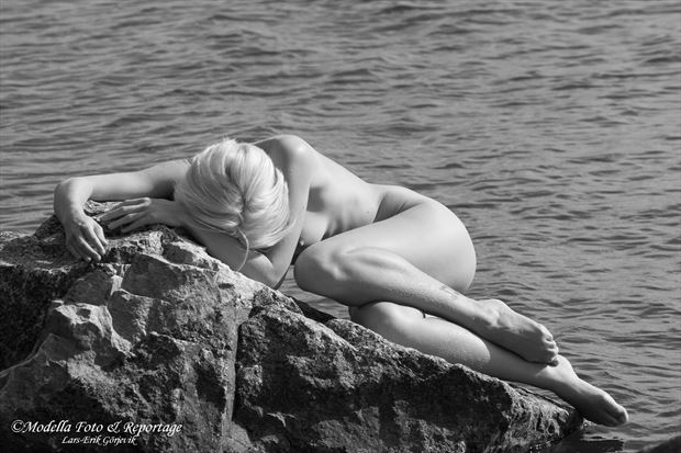the tired mermaid natural light photo by photographer modella foto