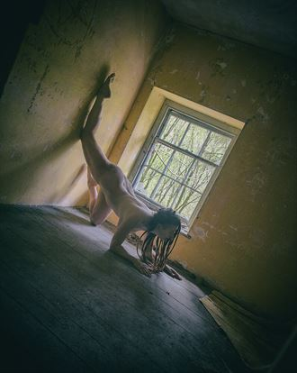 the window artistic nude photo by photographer serenesunrise