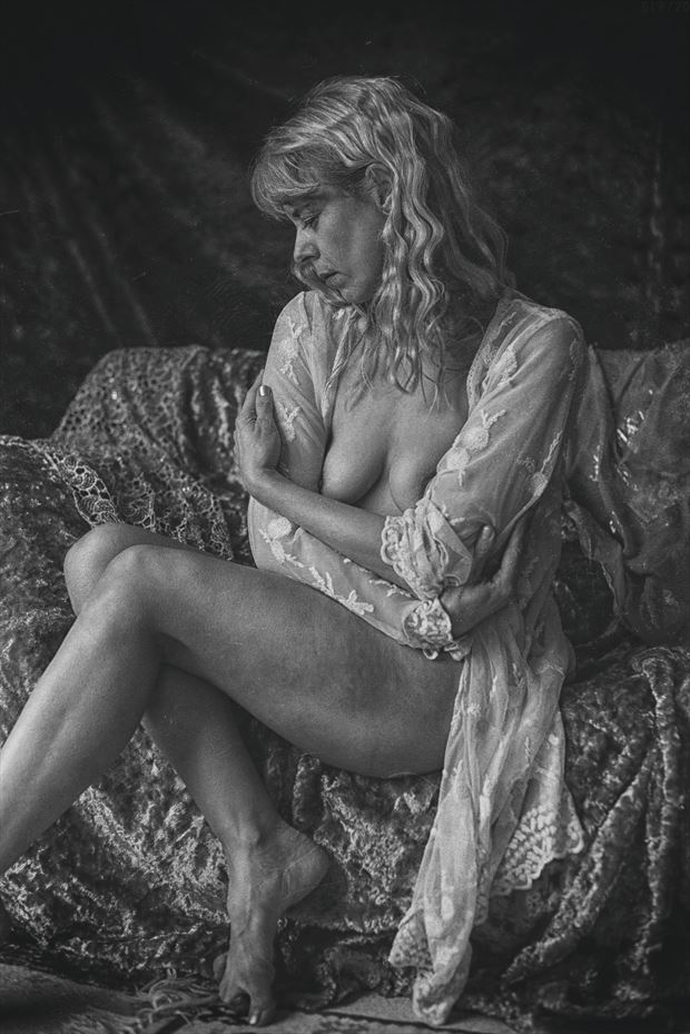 thinking artistic nude photo by photographer ghost light photo