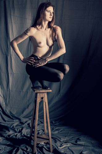 this unsteady chair artistic nude photo by model yael belledecandeur