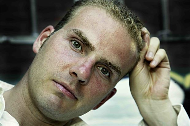 thomas green eyes on pc hooftstraat 2006 portrait photo by model thomas lundy
