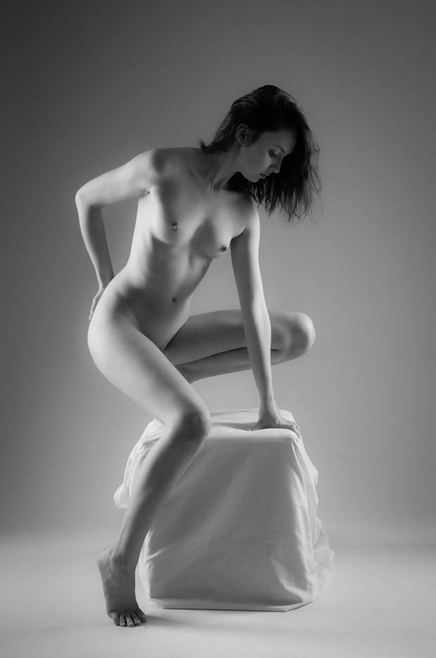 tiptoe artistic nude photo by photographer allan taylor
