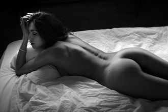 tiziana artistic nude photo by photographer gabi gogiu