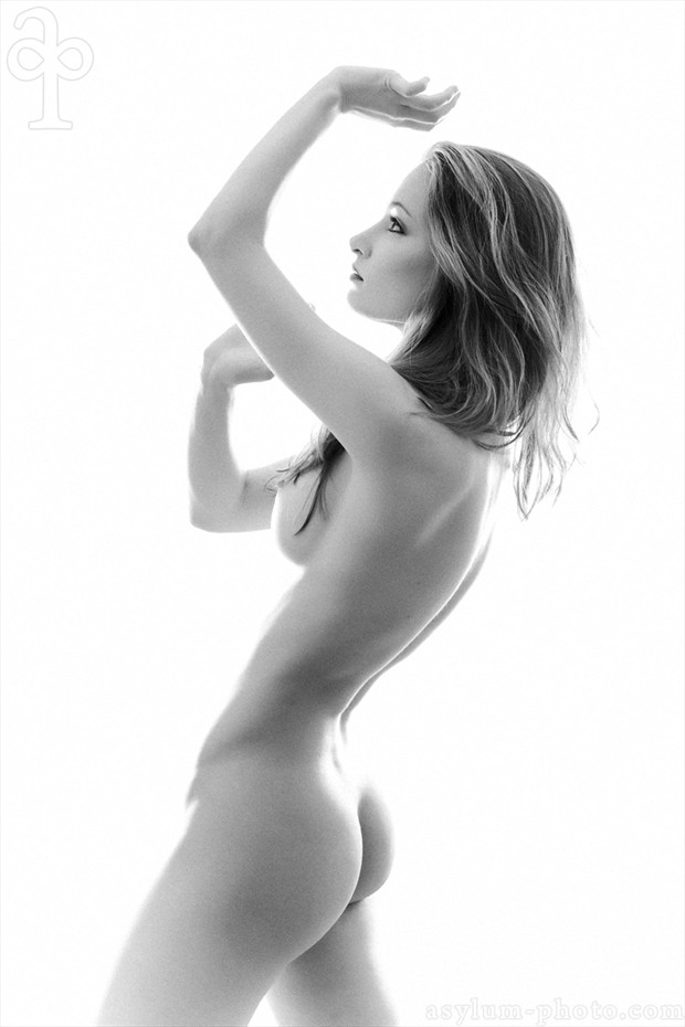to the light Artistic Nude Photo by Model MelissaAnn