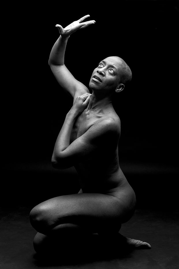 to the light artistic nude artwork by photographer tony avellino