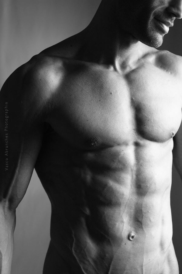 torso iii figure study photo by photographer vasco abranches