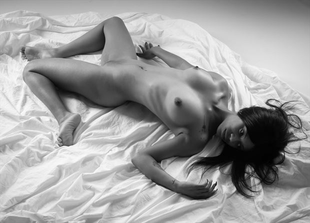 tousled artistic nude photo by photographer allan taylor