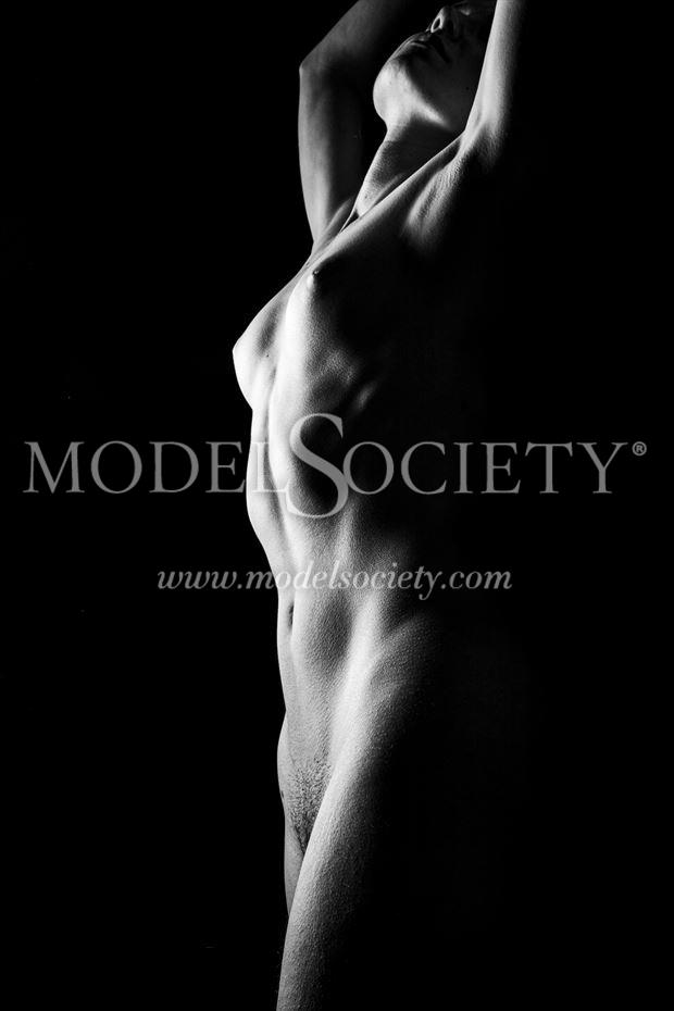 towering beyond artistic nude photo by photographer surzayon