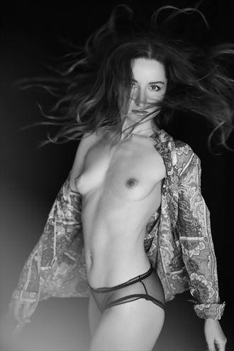 turn artistic nude photo by model lileya