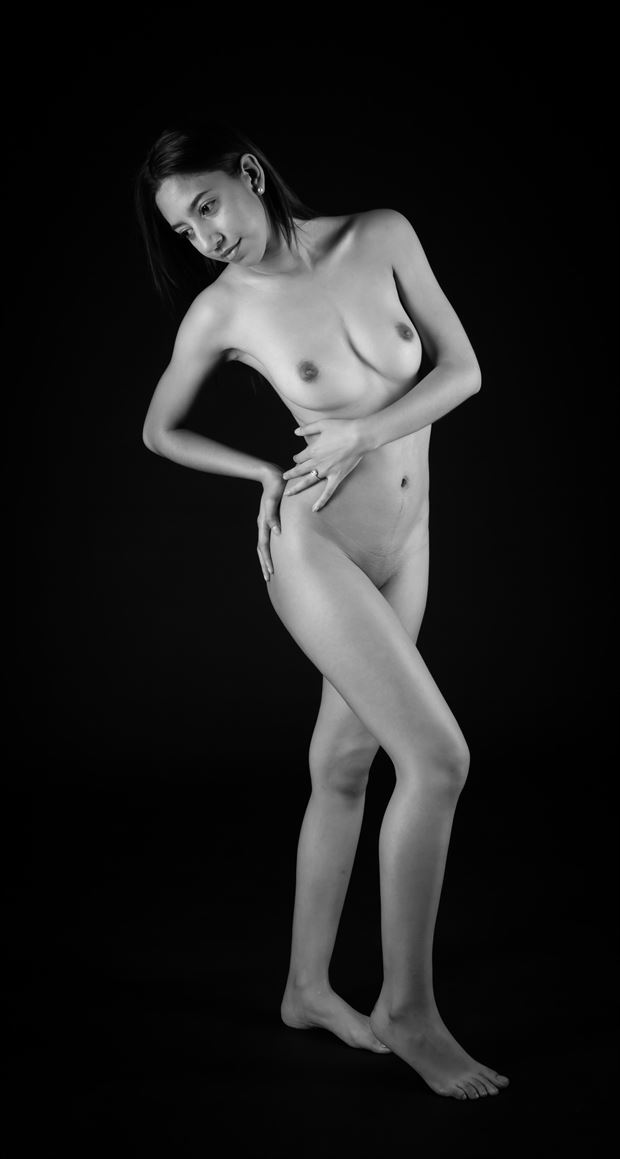 twist artistic nude photo by photographer allan taylor