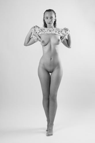 uncovered curves artistic nude photo by photographer modella foto