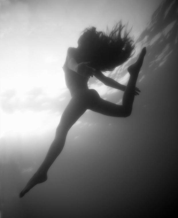 underwater ballet artistic nude photo by photographer bradmiller