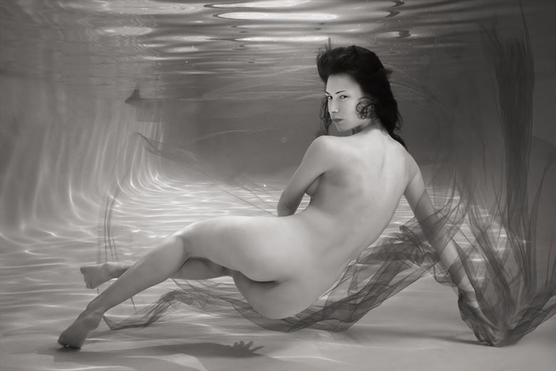underwater figure art artistic nude photo by photographer h2wu photo
