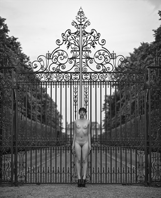 underwrought Artistic Nude Photo by Photographer profilepictures