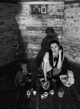 uninvited ghest experimental artwork by model eirwen kreed