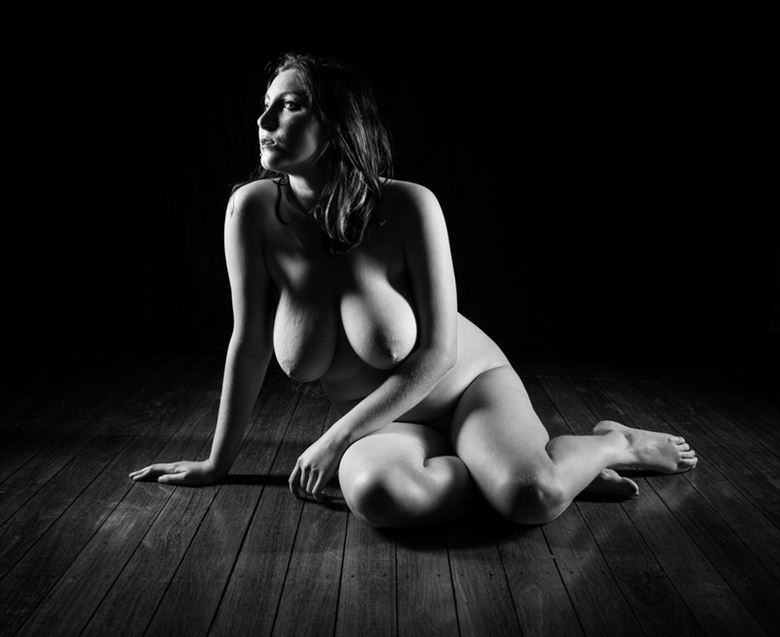 unnerving artistic nude photo by model amaranthisme