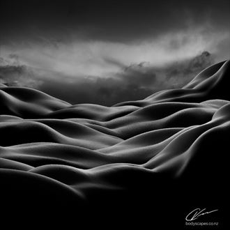 untitled bodyscape artistic nude photo by photographer cory varcoe bodyscapes