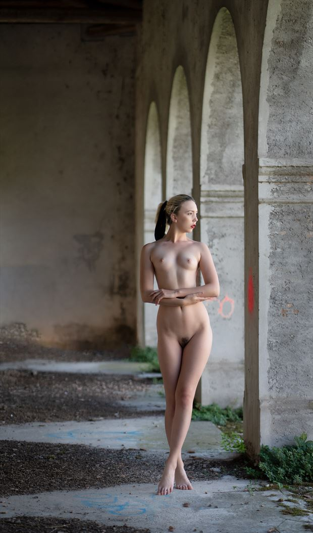 urban nude in italy artistic nude photo by photographer colin dixon