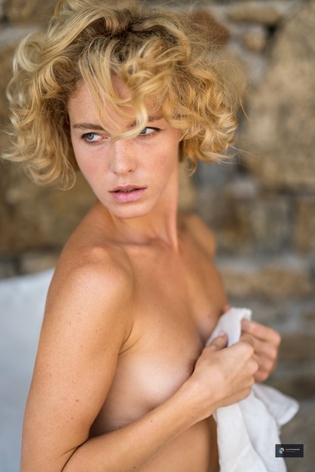 viktoria erotic photo by photographer acros photography