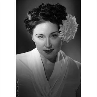 vintage style pinup photo by model sara tiara