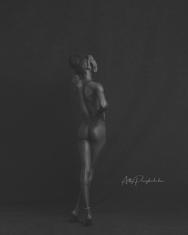 waiting artistic nude photo by photographer ikechukwu praiz