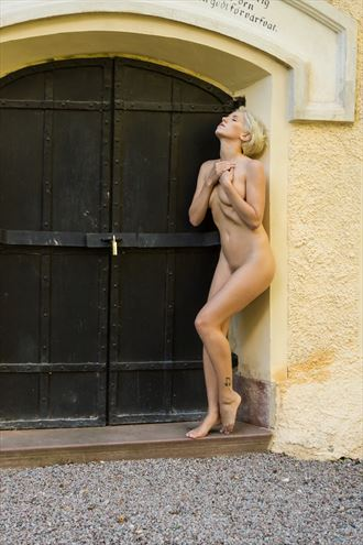 waiting for admission artistic nude photo by photographer modella foto